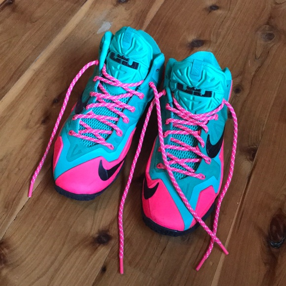 more photos fb834 c73d9 Custom South Beach Lebron 11. M 5a70ef148af1c5471c98d590. Other Shoes you  may like. NIKE ...